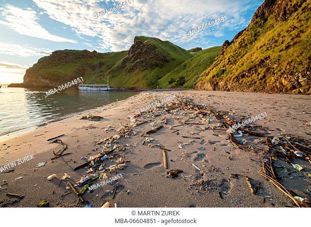 Plastic waste at the beach of Gili Padar, Komodo National Park, UNESCO, world heritage, Indonesia