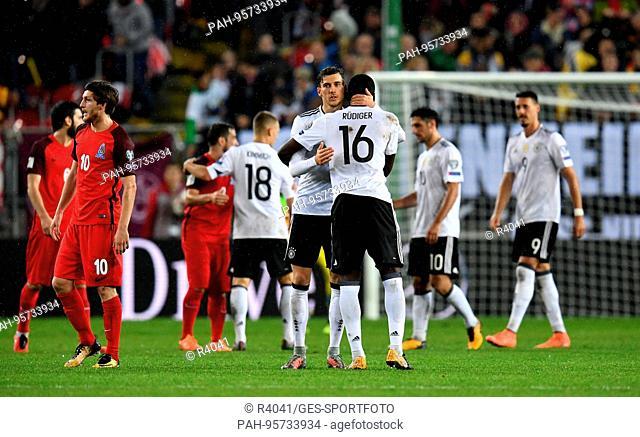 final jubilation after dem Spiel with Leon Goretzka und Antonio Ruediger (beide Germany) GES/ Fussball/ WM Qualifikation: Germany - Aserbaidschan, 08
