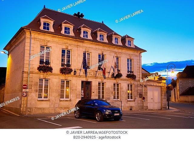Hotel de Ville, Chablis, Yonne, Bourgogne, Burgundy, France, Europe