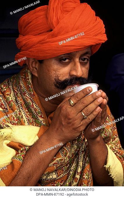 Rajasthani man drinking tea MR672