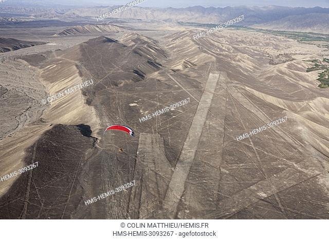 Peru, Ica region, Palpa valley, Nazca or Nasca lines, geoglyph, geometric figure traced by Nazca and Paracas civilizations (aerial view)