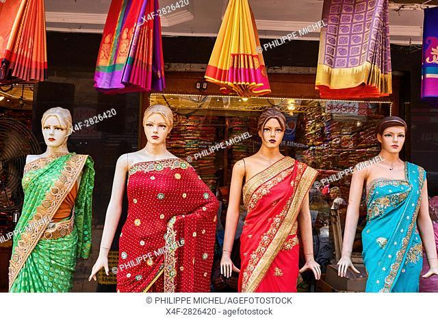 Asia, India, Uttar Pradesh, Varanasi (Benares), sari shop