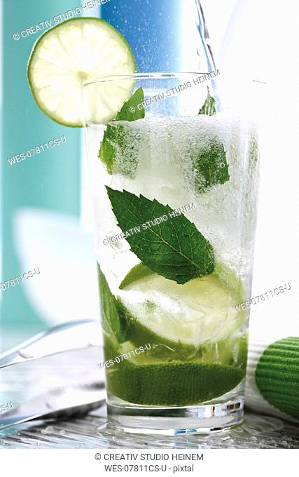 Mojito with fresh limes and mint
