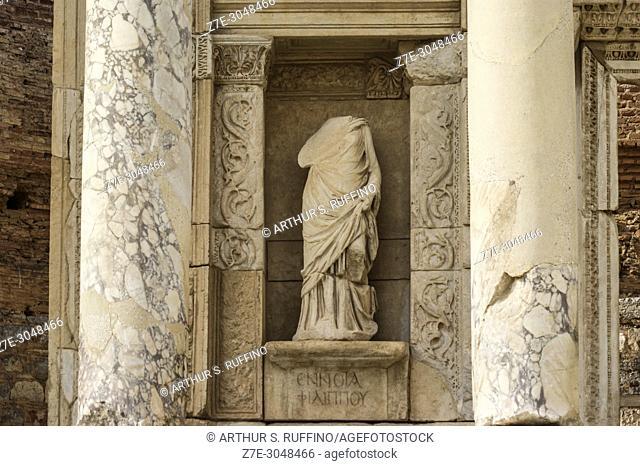 Detail of Library of Celsus façade. Sculpture in niche. Ephesus, UNESCO World Heritage Site, Selçuk, Izmir Province, Ionia Region, Turkey, Eurasia