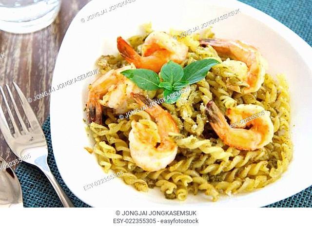 Fusilli with prawn in pesto sauce