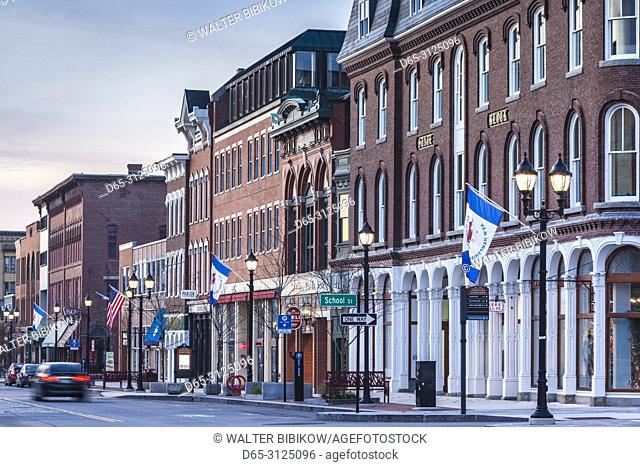 USA, New England, New Hampshire, Concord, Main Street, dawn