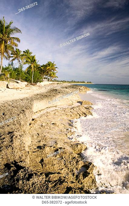 Bahamas, Abacos, 'Loyalist Cays , Elbow Cay', Elbow Cay, Hope Town: Hope Town Beach North, Morning View