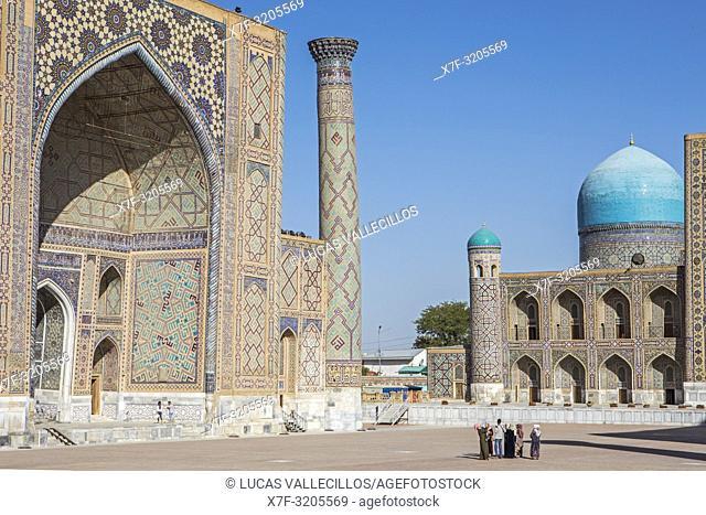 Ulugbek Medressa and Tilla-Kari Medressa, Registan, Samarkand, Uzbekistan