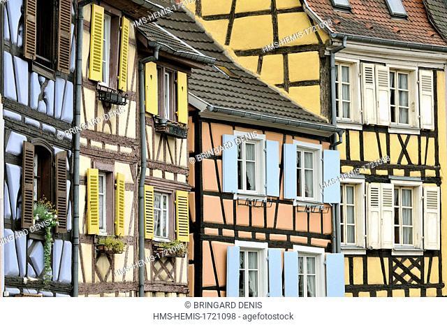 France, Haut Rhin, Alsace Wine Route, Colmar, Petite Venise, quai de la Poissonnerie, timbered houses