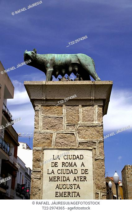 Mérida (Spain). Sculpture of the wolf capitolina in the city of Mérida