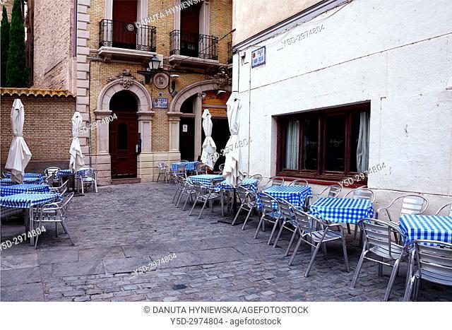Calle de San Valero on a side of Catedral del Salvador de Zaragoza, historic center of Zaragoza, Saragossa, Aragon, Spain, Europe