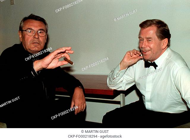 ***FILE PHOTO FROM JULY 1997*** Czech film director of Czech origin Milos Forman (on the photo left, with President Vaclav Havel)