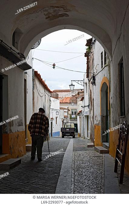 Narrow street in Beja, Alentejo, Portugal, Europe