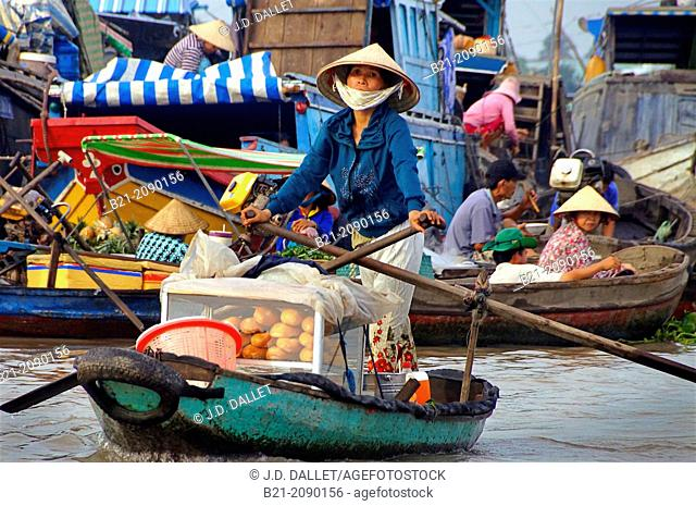 Vietnam. Delta of the Mekong river. Floating market of Cái Rang