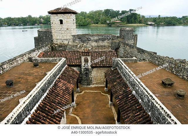 Guatemala. Izabal. Rio Dulce. Castle of San Felipe