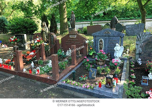 Germany, Koblenz, Rhine, Moselle, Maifeld, Eifel, Hunsrueck, Westerwald, Rhineland-Palatinate, Koblenz-Luetzel, cemetery in Luetzel at the Petersberg