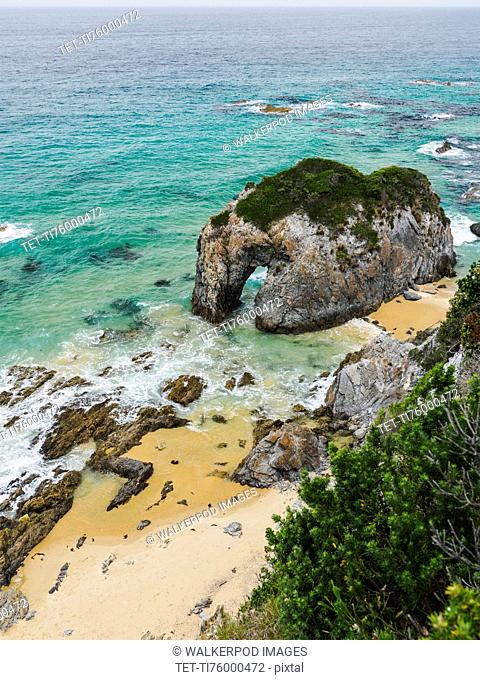 Australia, New South Wales, Bermagui, Rock formation in sea