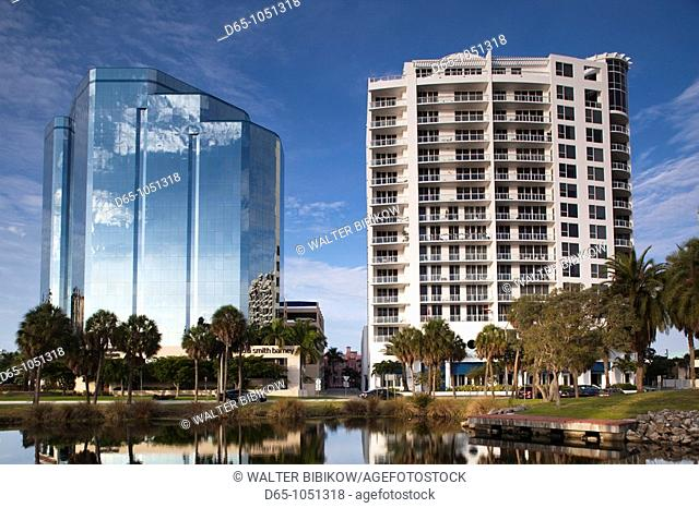 USA, Florida, Sarasota, skyline and One Sarasota Tower building