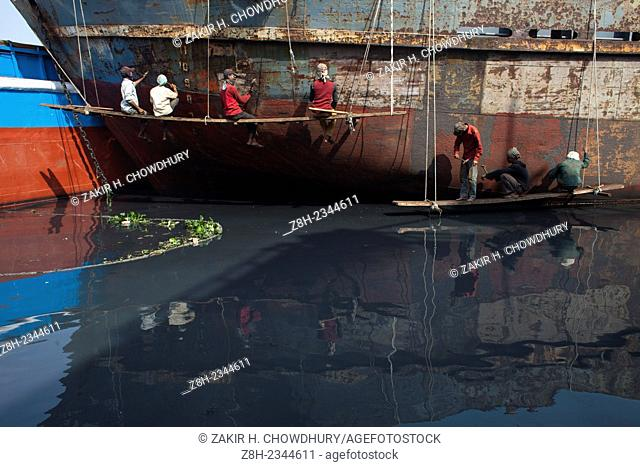 Shipyard workers near the Buriganga River in Dhaka.There are more than 35 shipyards in Old Dhakas Keraniganj area in the bank of the river Burigonga