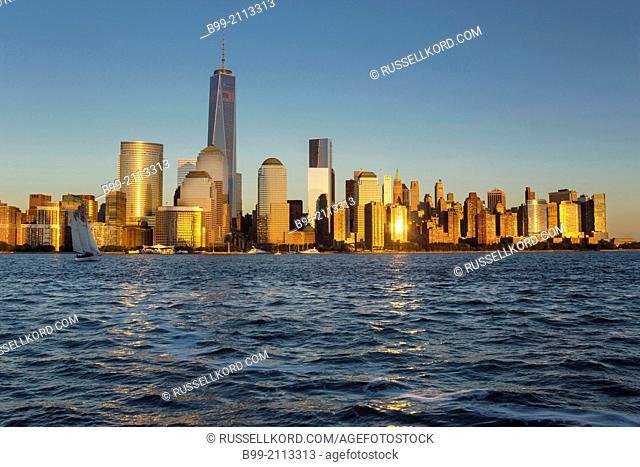Downtown Skyline Hudson River Manhattan New York City Usa