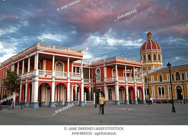 Plaza de la Independencia in front of Parque Colon (aka Central Park), Granada, Nicaragua