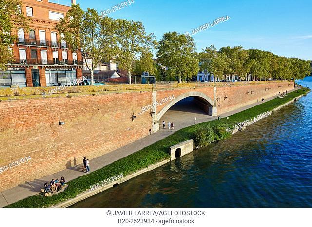 Garonne river. Toulouse. Haute Garonne. France