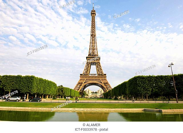 France, Paris, Eiffel tower and palais de chaillot in the background