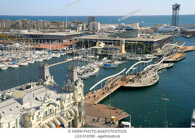 Moll d'Espanya. Rambla de Mar and Port Authority building. Maremagnum. Barcelona. Catalonia. Spain