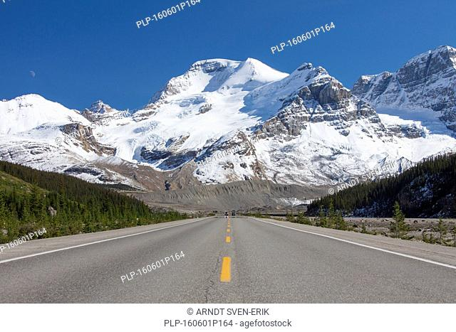 View over Mount Athabasca from the Icefields Parkway / Highway 93, Jasper National Park, Alberta, Canada