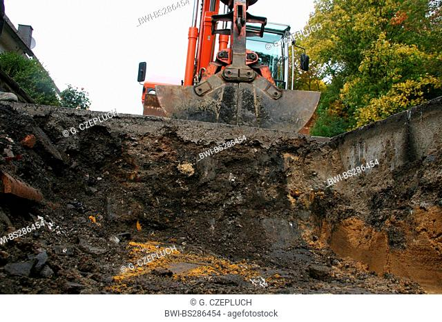 road construction zone and excavator, Germany, North Rhine-Westphalia