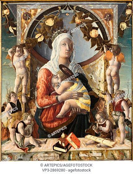 Marco d'Antonio di Ruggero aka Lo Zoppo . La Vierge et l'Enfant entourés de huit anges - The Virgin and Child surrounded by eight angels. 1455