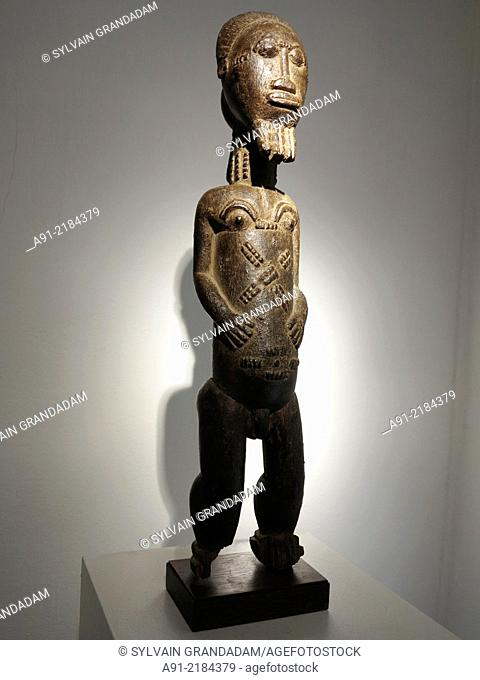 """France, Ile-de-France, Paris (75), Latin quarter, african art exhibitions during"""""""" Parcours du Monde"""""""" fair"""