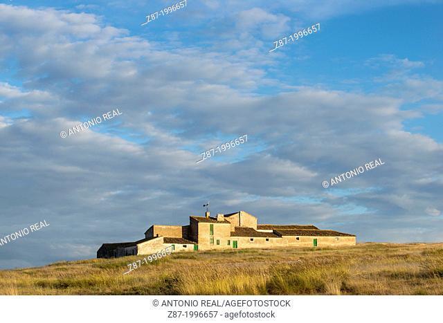 El Paraiso farmhouse, Almansa, Albacete province, Castilla-La Mancha, Spain