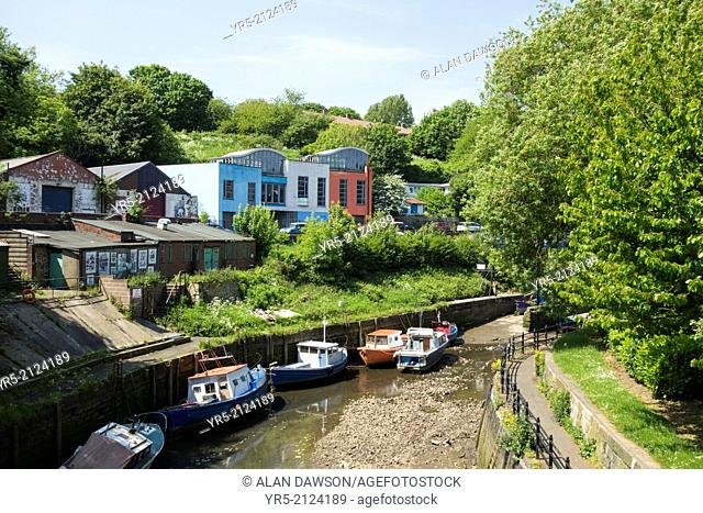Ouseburn river, Newcastle upon Tyne, England, United Kingdom. Once heavily industrialised, the Ouseburn area of Newcastle is now a hub for Arts and creative...