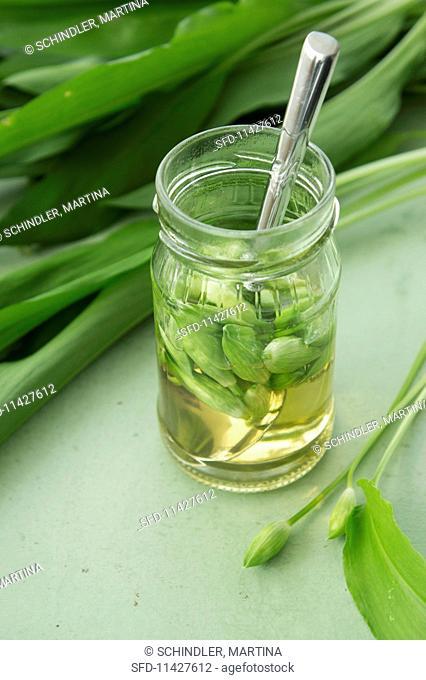 Pickled wild garlic buds