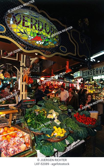 Market hall, Mercat de la Boqueria, Les Rambles, Barcelona, Catalonia, Spain