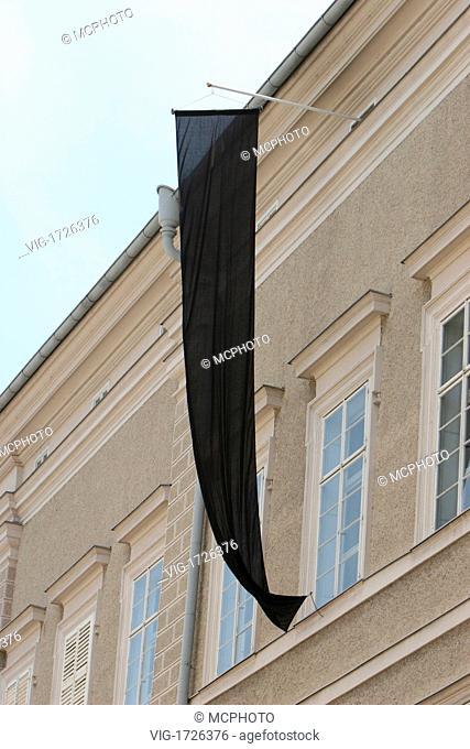 black banner - 01/01/2009