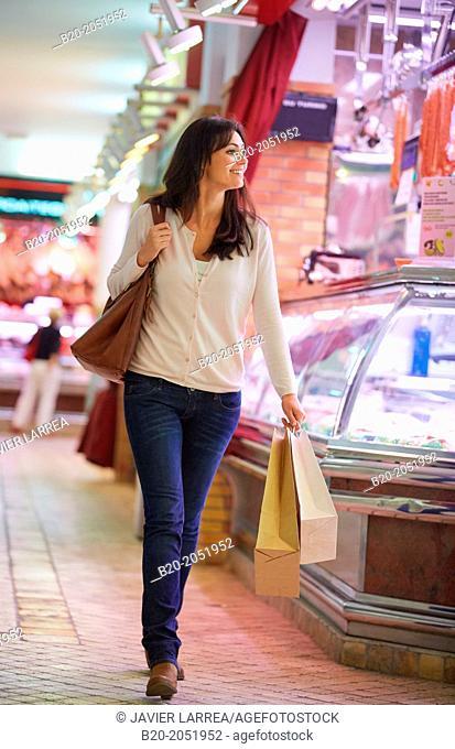 35 year old woman buying. Shopping at the Bretxa Market. Donostia. San Sebastian. Gipuzkoa. Basque Country. Spain