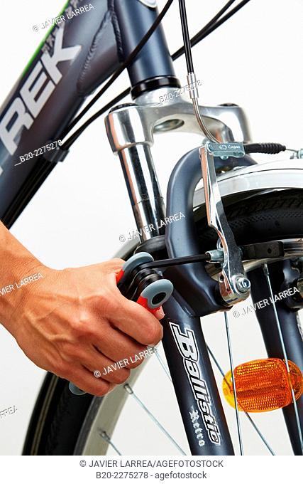 Adjusting screw with allen key, bicycle brake