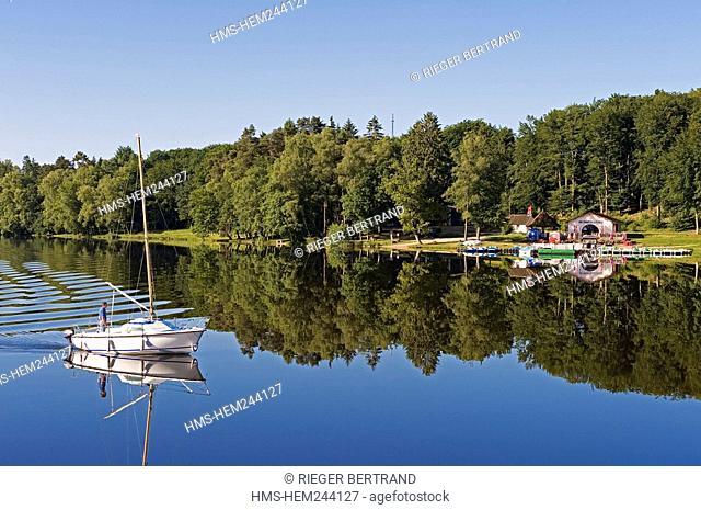 France, Nievre, Lake Settons