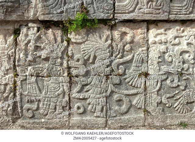 MEXICO, YUCATAN PENINSULA, CHICHEN ITZA ARCHAEOLOGICAL SITE, MARKET, CARVINGS