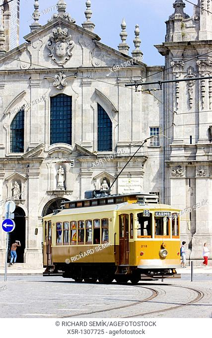 tram in front of Carmo Church Igreja do Carmo, Porto, Douro Province, Portugal