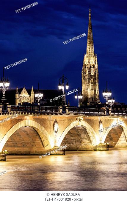 France, Nouvelle-Aquitaine, Bordeaux, Basilica of St. Michael and Pierre Bridge