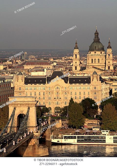 Hungary, Budapest, Chain Bridge, Gresham Palace, Basilica, Daube River