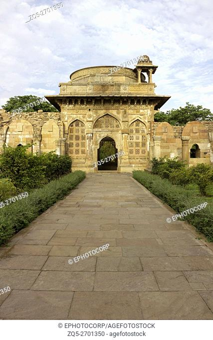 Cenotaph or empty tomb, Jami Masjid, Champaner Pavagadh Archaeological Park. UNESCO World Heritage Site. Panchmahal, Gujarat. India