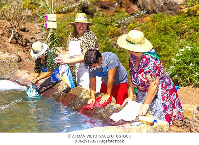 Washerwomen during the celebration of Holiday in honour to Virgin of Fatima. Roque Negro municipality. Santa Cruz de Tenerife