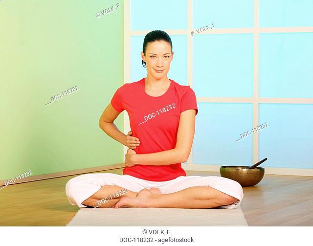 I treat myself with energy - yoga exercise