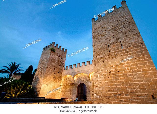 Old walls (14th and 16th century), Alcudia. Majorca, Balearic Islands. Spain