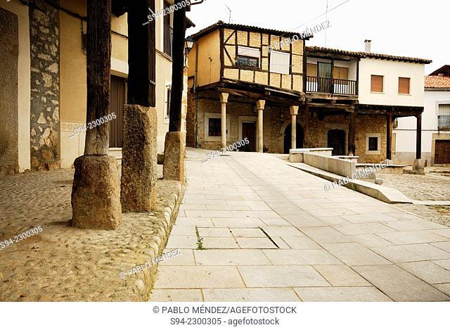 Square in high area of Cuacos de Yuste, Caceres, Spain