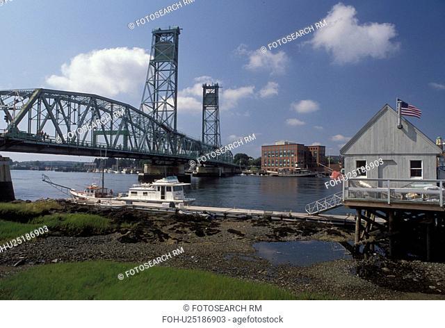 Portsmouth, NH, New Hampshire, Memorial Bridge crosses the Piscataqua River in Portsmouth